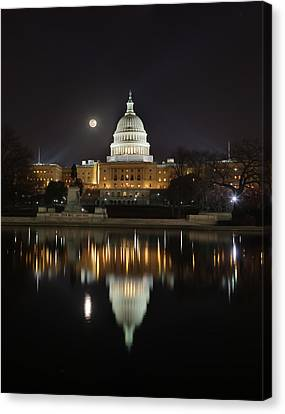 Digital Liquid - Full Moon At The Us Capitol Canvas Print
