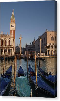 Doges Palace And San Marcos Bell Tower Canvas Print by Jim Richardson
