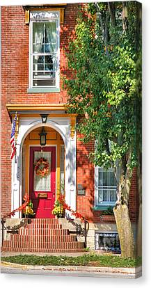 Door In Historic District I Canvas Print by Steven Ainsworth