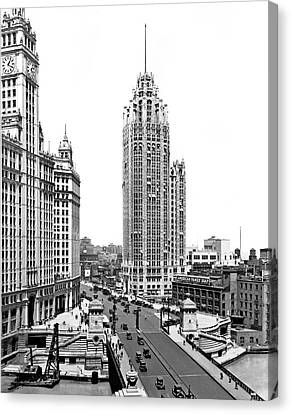 Downtown Chicago Canvas Print by Underwood Archives