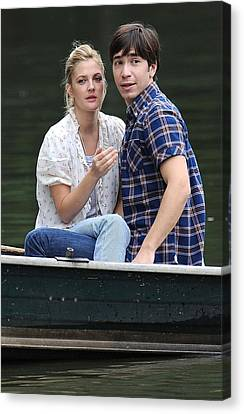 Drew Barrymore, Justin Long On Location Canvas Print by Everett