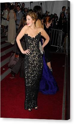 Drew Barrymore Wearing Oscar De La Canvas Print by Everett