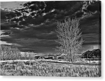 Drumheller Valley In Black And White Canvas Print by Jim Justinick