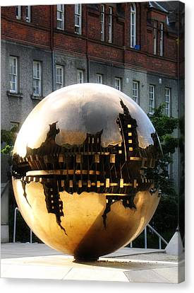 Canvas Print featuring the photograph Dublin Trinity College Sculpture by David Harding