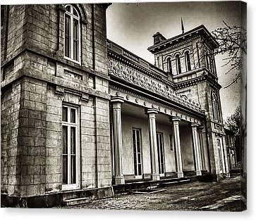 Dundurn Castle Bw Canvas Print by Larry Simanzik