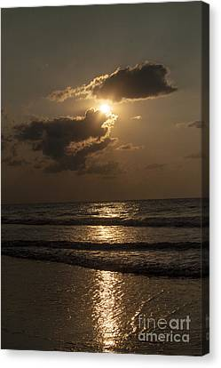 East Coast Sunrise Canvas Print by Darleen Stry