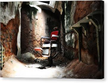 Eastern State Penitentiary - Barber's Chair Canvas Print by Bill Cannon