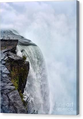 Edge Of Niagara Falls Canvas Print by Jill Battaglia