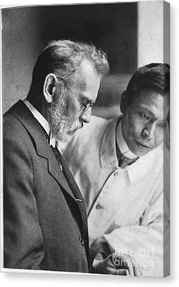 Ehrlich And Hata, Discovered Syphilis Canvas Print by Science Source