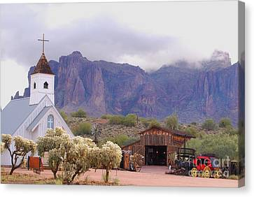 Canvas Print featuring the photograph Elvis Memorial Chapel by Tam Ryan