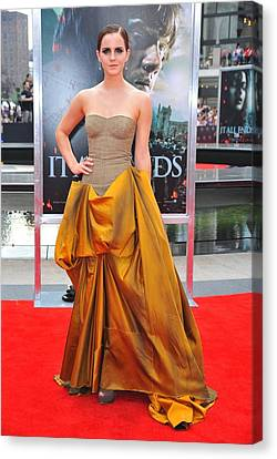 Emma Watson Wearing A Bottega Veneta Canvas Print by Everett