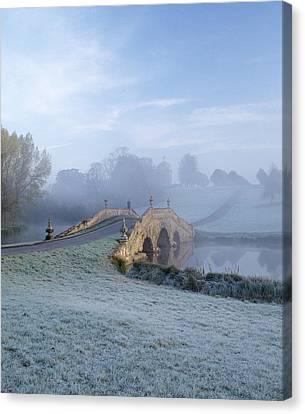 English Fog Canvas Print by Zarija Pavikevik
