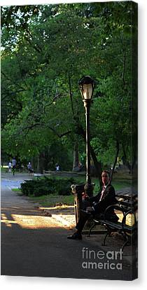 Enjoying The Moment In Central Park Canvas Print by Lee Dos Santos
