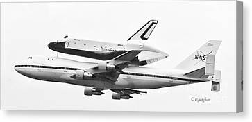 Enterprise Shuttle Nyc -black And White  Canvas Print by Regina Geoghan