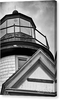 Established In 1746 - Black And White Canvas Print by Hideaki Sakurai