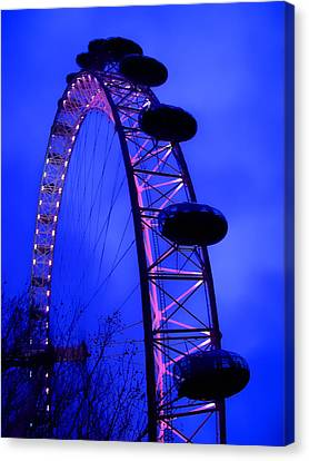 Eye Of London Canvas Print by Roberto Alamino