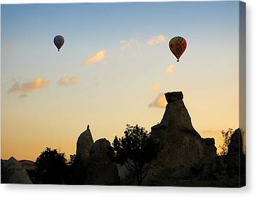 Fairy Chimneys And Balloons Canvas Print by RicardMN Photography