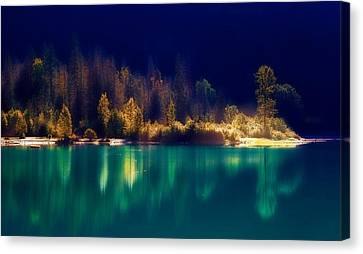 Canvas Print featuring the photograph Fall Along The Lake by Thomas Born