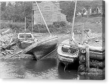 Family Wharf At Kittery Point In Maine 1900 Canvas Print by Padre Art