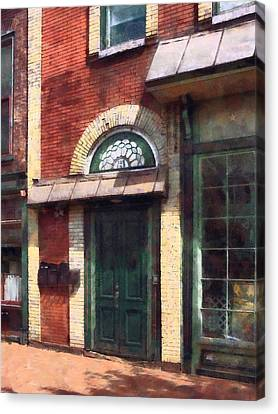 Fancy Green Door Burlington Nj Canvas Print by Susan Savad