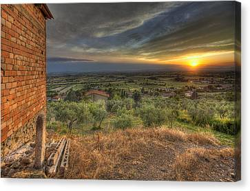 Farmhouse In The Valley Canvas Print by Al Hurley