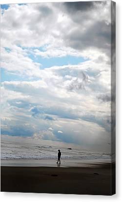 Feeling Small Canvas Print by Lori Tambakis