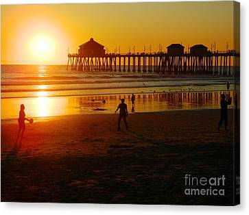 Canvas Print featuring the photograph Feels Like Summer by Everette McMahan jr