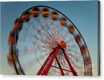 Ferris Wheel Iv Canvas Print by Clarence Holmes