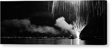 Fireworks Tahoe Ca Canvas Print by Isak Hanold