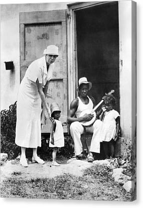 First Lady Eleanor Roosevelt Chatting Canvas Print by Everett