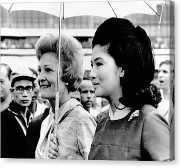 First Lady Pat Nixon Left And Imelda Canvas Print by Everett