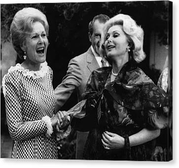 First Lady Patricia Nixon With Zsa Zsa Canvas Print by Everett