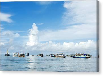 Fishing Boat Canvas Print by Yew Kwang