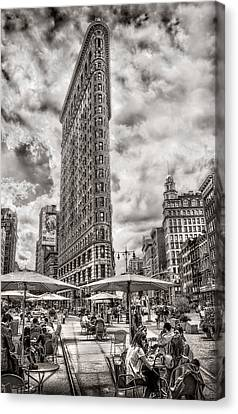 Canvas Print featuring the photograph Flatiron Building Hdr by Steve Zimic