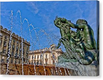 Fontana Di Piazza Solferino Canvas Print by Sonny Marcyan