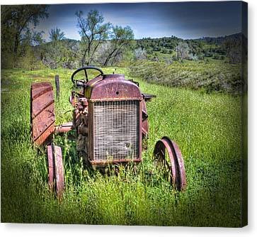 Fordson 1920 Tractor Canvas Print by William Havle