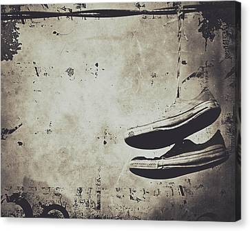 Foster The Kicks Canvas Print by Empty Wall