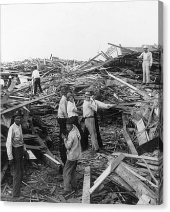 Galveston Disaster - C 1900 Canvas Print by International  Images