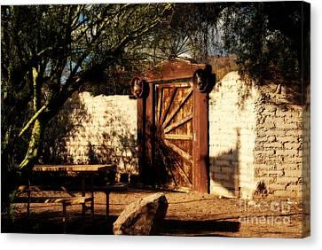 Gate To Cowboy Heaven In Old Tuscon Az Canvas Print by Susanne Van Hulst