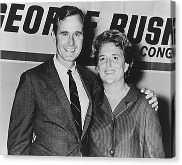 George And Barbara Bush In Houston Canvas Print by Everett