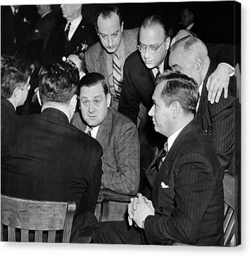George Bugs Moran On Trial For Forgery Canvas Print by Everett