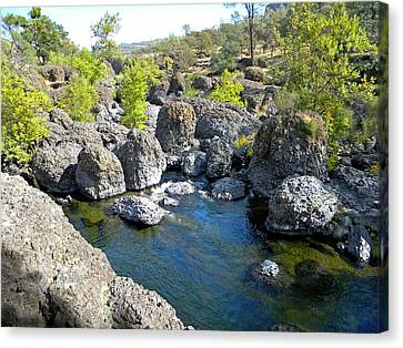 Giant Basalt Boulders Swimming Hole Canvas Print by Frank Wilson