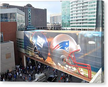 Giants Vs Patriots  Canvas Print by Brittany H