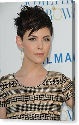 Ginnifer Goodwin At Arrivals Canvas Print by Everett