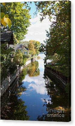 Canvas Print featuring the photograph Glenora Point by William Norton