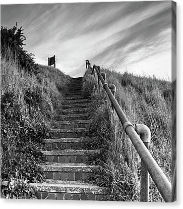 Going Up Canvas Print by Ian Grainger