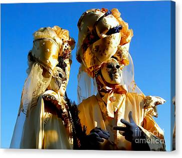 Golden Couple Of Venice Canvas Print