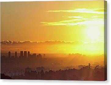 Golden Horizon At Sunset, Los Angeles Canvas Print by Eric Lo