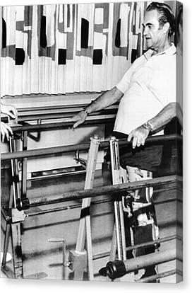 Gov. George Wallace Walks Canvas Print by Everett