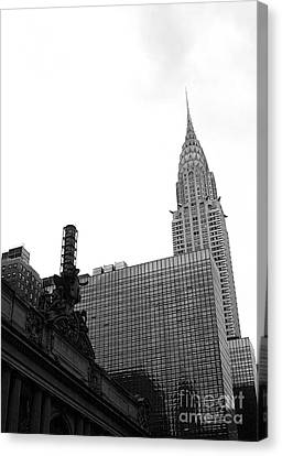 Grand Central-grand Hyatt-chrysler Canvas Print by David Bearden